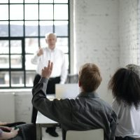 Read more about the article 6 Ways to Handle Difficult Questions During a Presentation